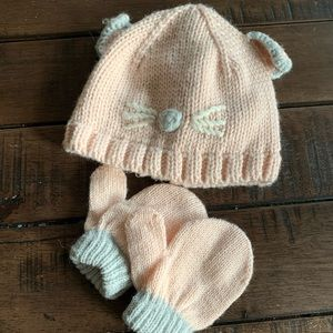 Toby baby girl hat and mitten set